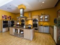 Стены на кухне — как их оформить? Обзор популярных решения (77 фото)