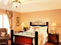 Натяжной потолок в спальне — 80 фото красивых вариантов в интерьере спальни