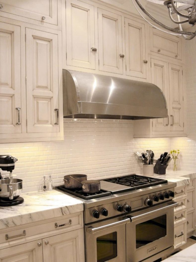 dp_zaveloff-stainless-steel-kitchen-range_s3x4-jpg-rend-hgtvcom-966-1288