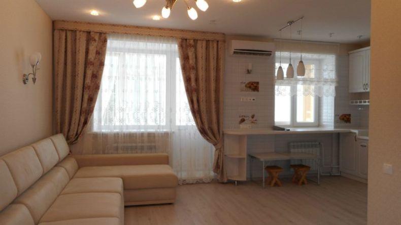 Кухня совмещена с гостиной - 1