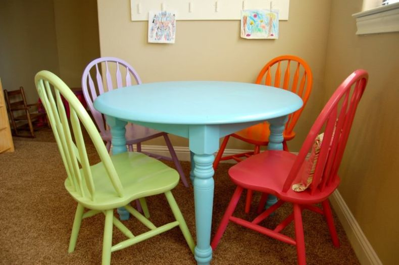 kids-kitchen-table