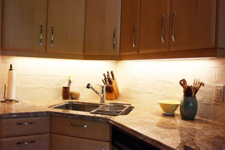 kitchen-corner-sink-cabinet-design-l-b9198ca89fc271dc