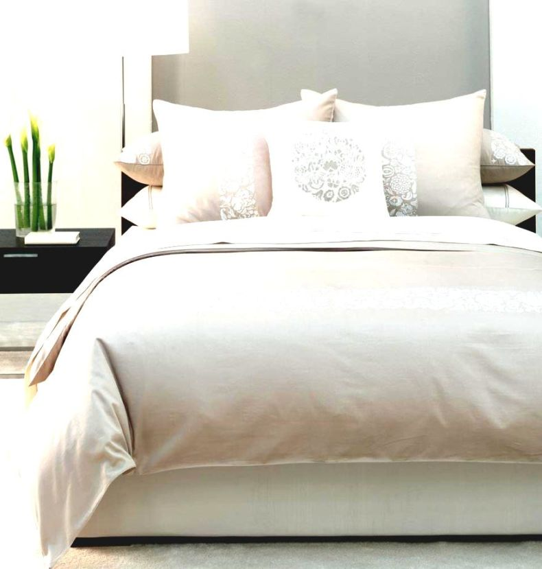 10-tips-to-make-a-small-bedroom-feel-larger-how-the-most-of-bed