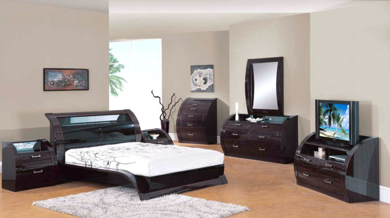black-mirrored-bedroom-furniture-1