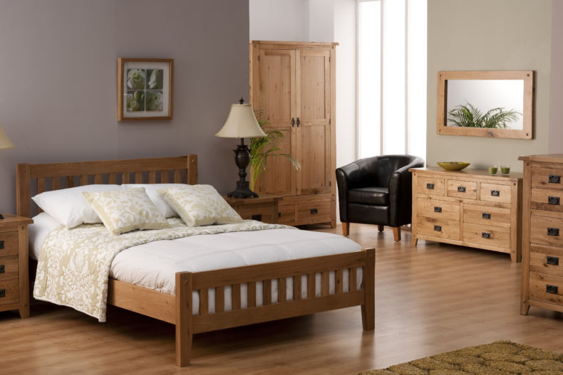 _stylish_wooden_furniture_for_the_bedroom_091602_