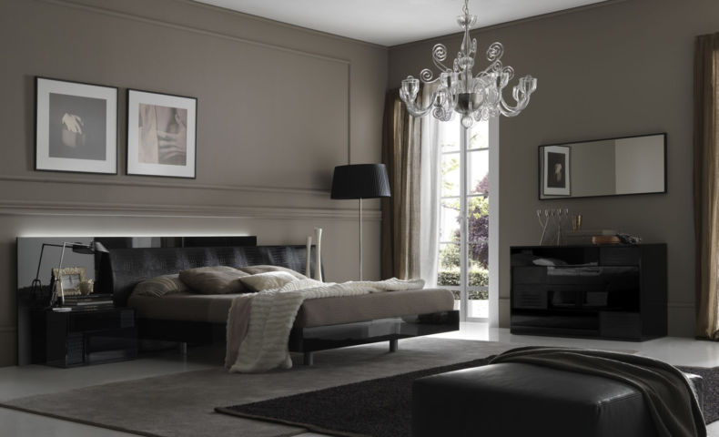 grey-bedroom-interior-design_1974_1500_911