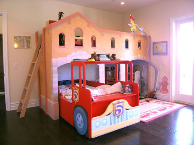 unusual-kids-bedroom-modern-design-fire-truck-shape-bunk-bed-design-brown-red-colors-bed-frames-dark-wooden-laminated-floor-plush-rug-beige-wall-paint-color-recessed-ceiling-lights-kids-bedrooms-idea