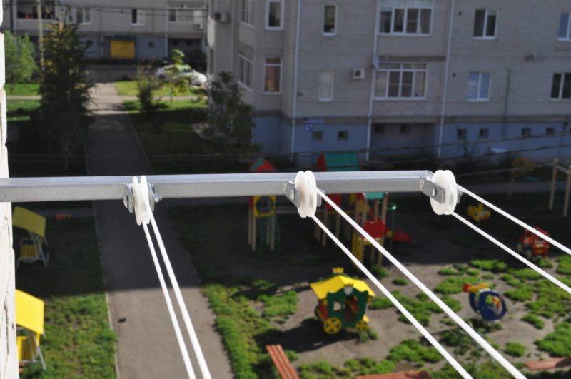 Как сделать сушку белья за балконом 681