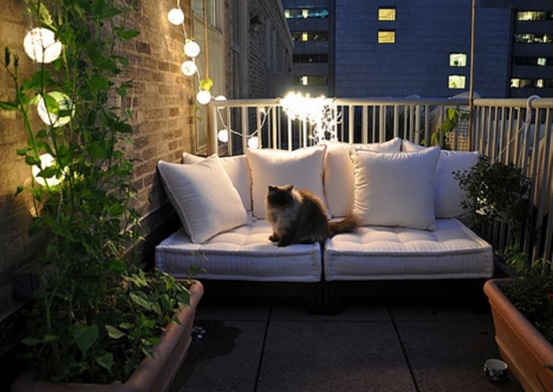 40605-inspirations-of-small-balcony-2012-allhomedecors-com_1440x900