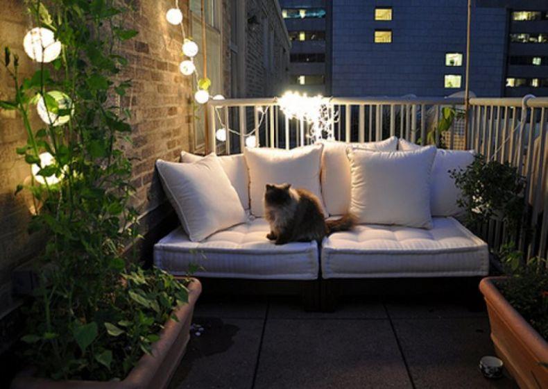 40605-inspirations-of-small-balcony-2012-allhomedecors-com_1440x900