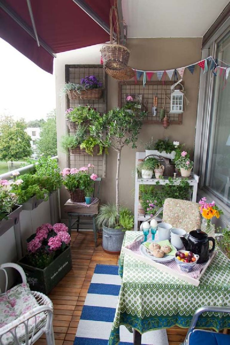53-mindblowingly-beautiful-balcony-decorating-ideas-to-start-right-away-homesthetics-net-decor-ideas-40
