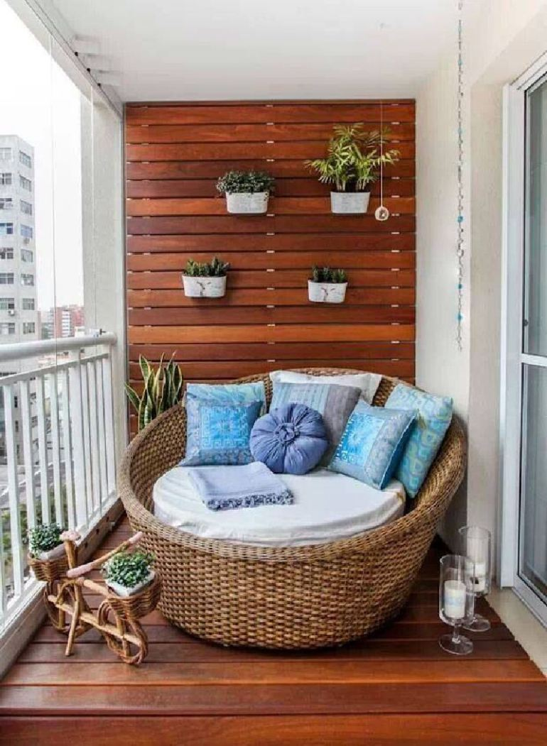 53-mindblowingly-beautiful-balcony-decorating-ideas-to-start-right-away-homesthetics-net-decor-ideas-46