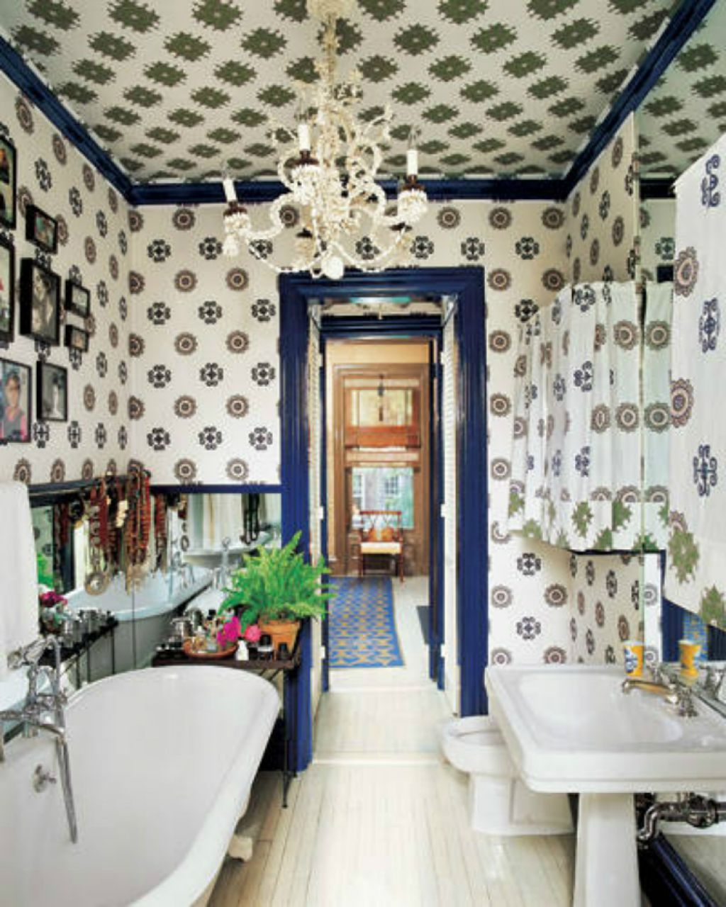bathroom-with-wallpaper-in-the-walls-and-ceiling-also-using-small-bathroom-wallpaper