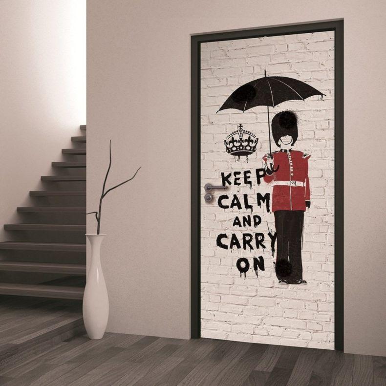 fotooboi-dlja-dekorirovanija-staryh-dverej