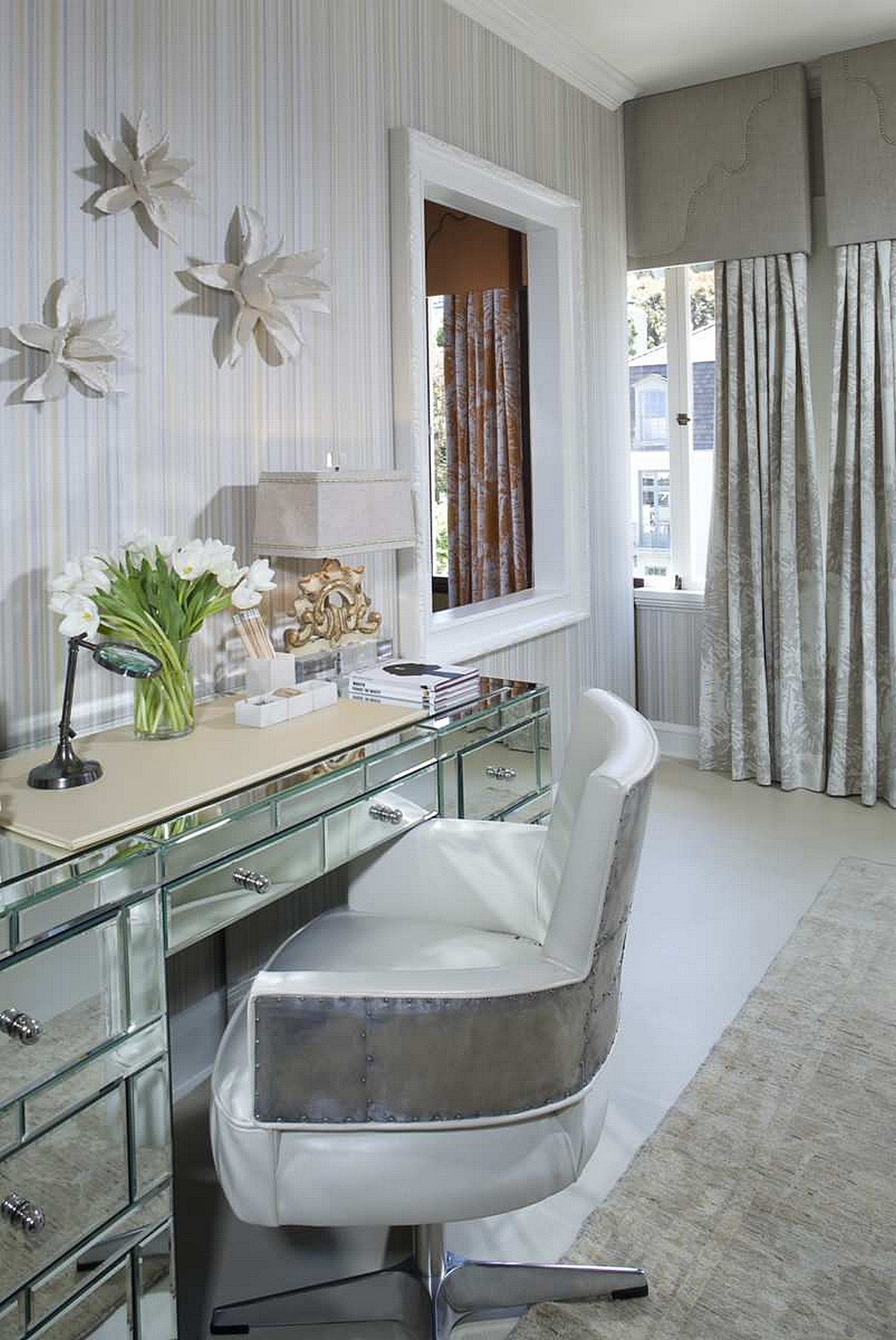 glass-mirrored-dressing-table-inspiration-for-an-electric-bedroom