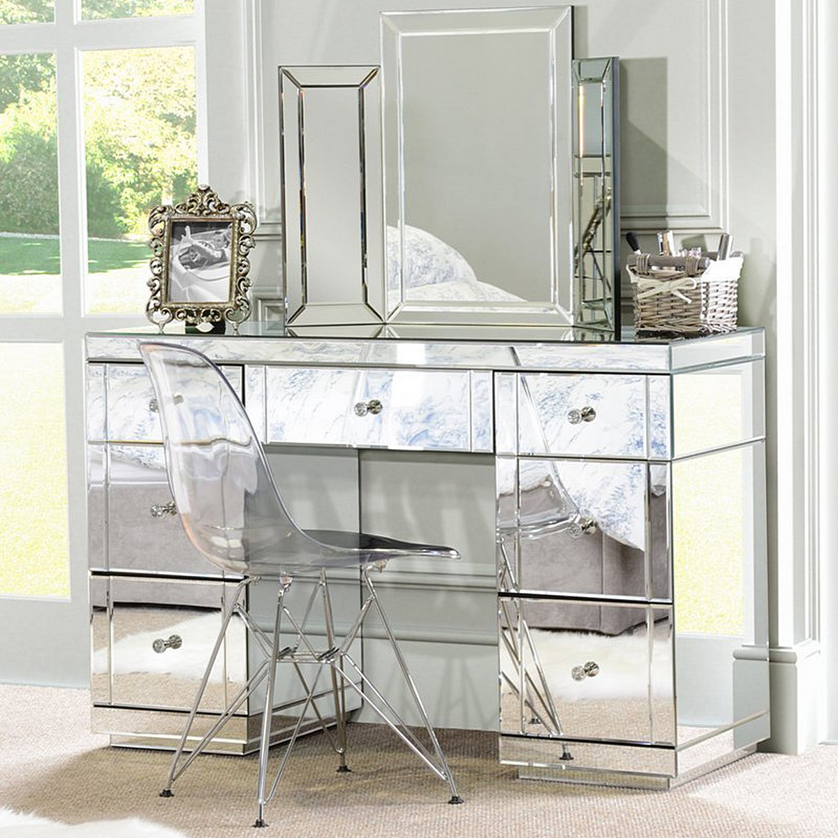 mirrored-bedroom-furniture-triple-folding-dressing-table-large-mirror