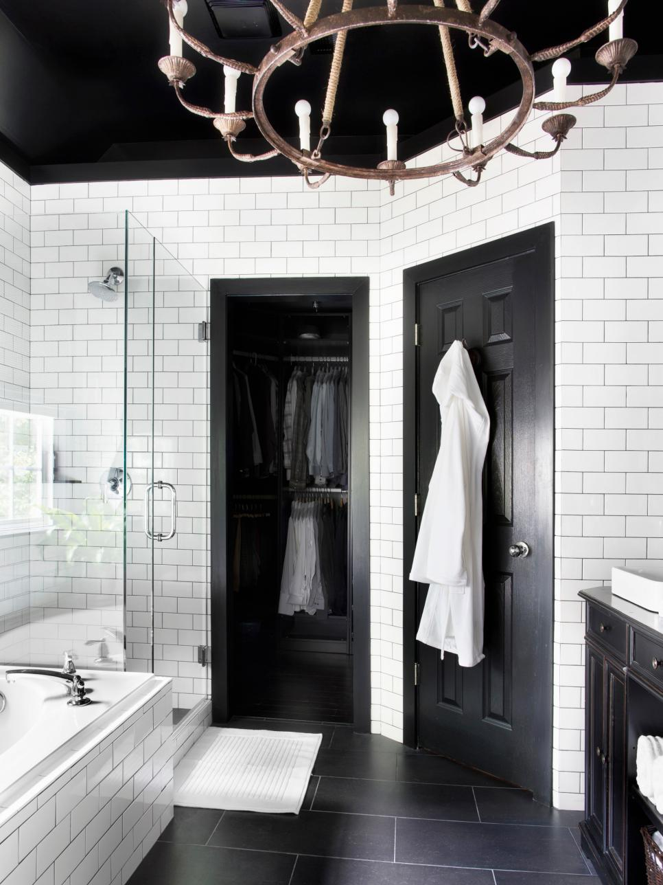 original_bpf-black-white-bathroom-beauty3_v-jpg-rend-hgtvcom-966-1288