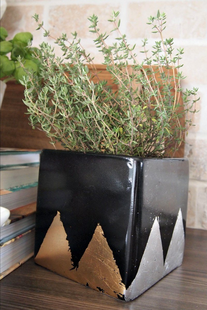 diy-herb-planters-metallic-9