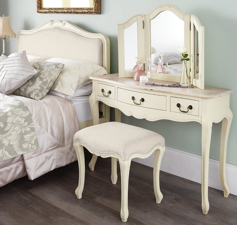juliette-champagne-dressing-table-set-2-l_2