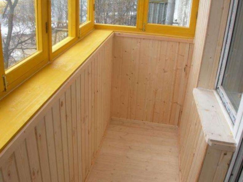 kak-obit-balkon-vagonkoj-1024x768