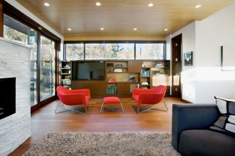living-room-of-small-contemporary-house-in-swiss-style-design