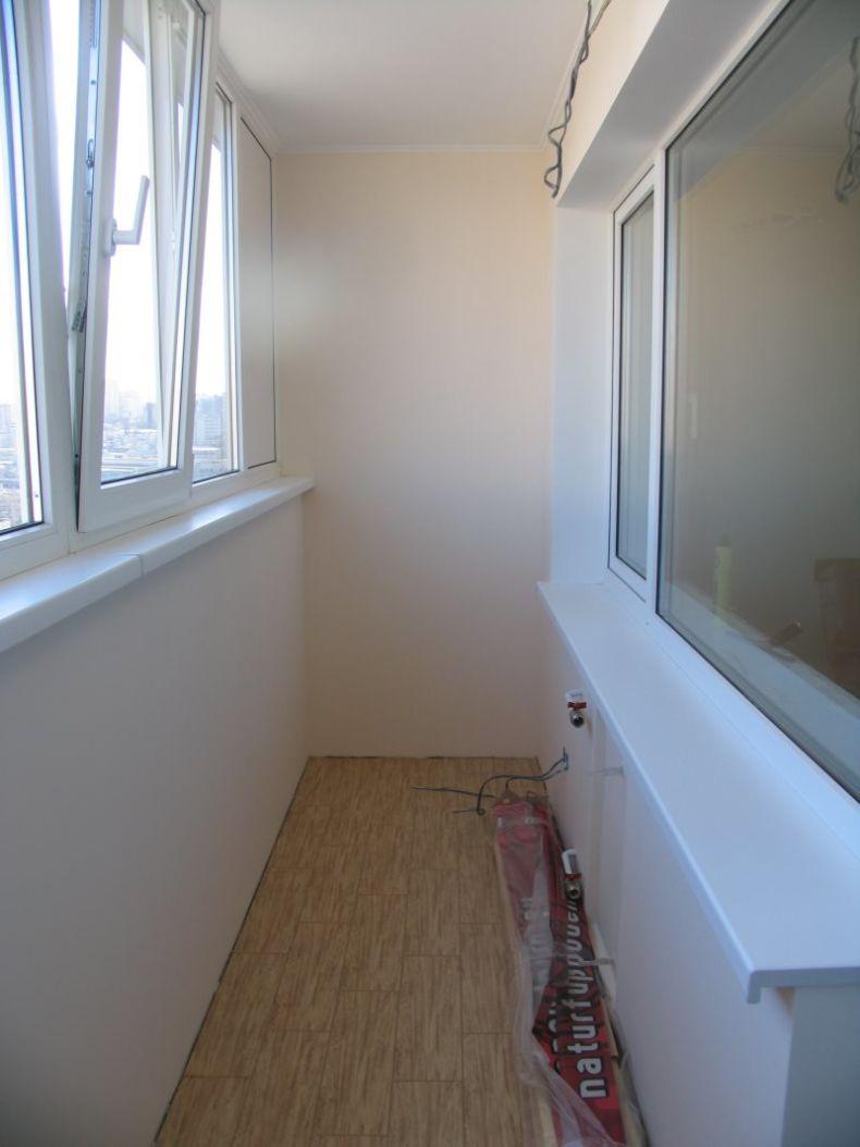 obshit-balkon-gipsokartnom