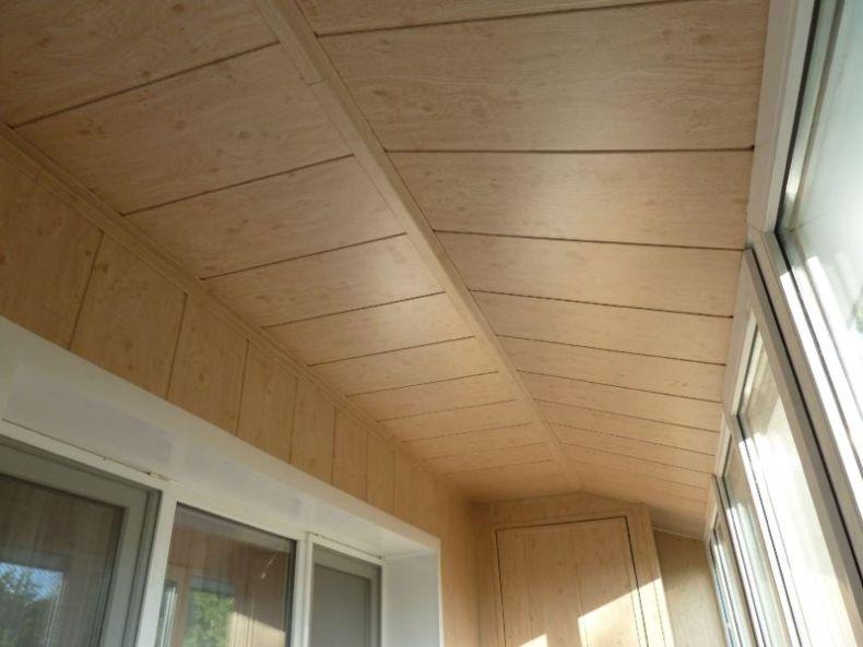 paneli-na-potolk-na-balkone_06