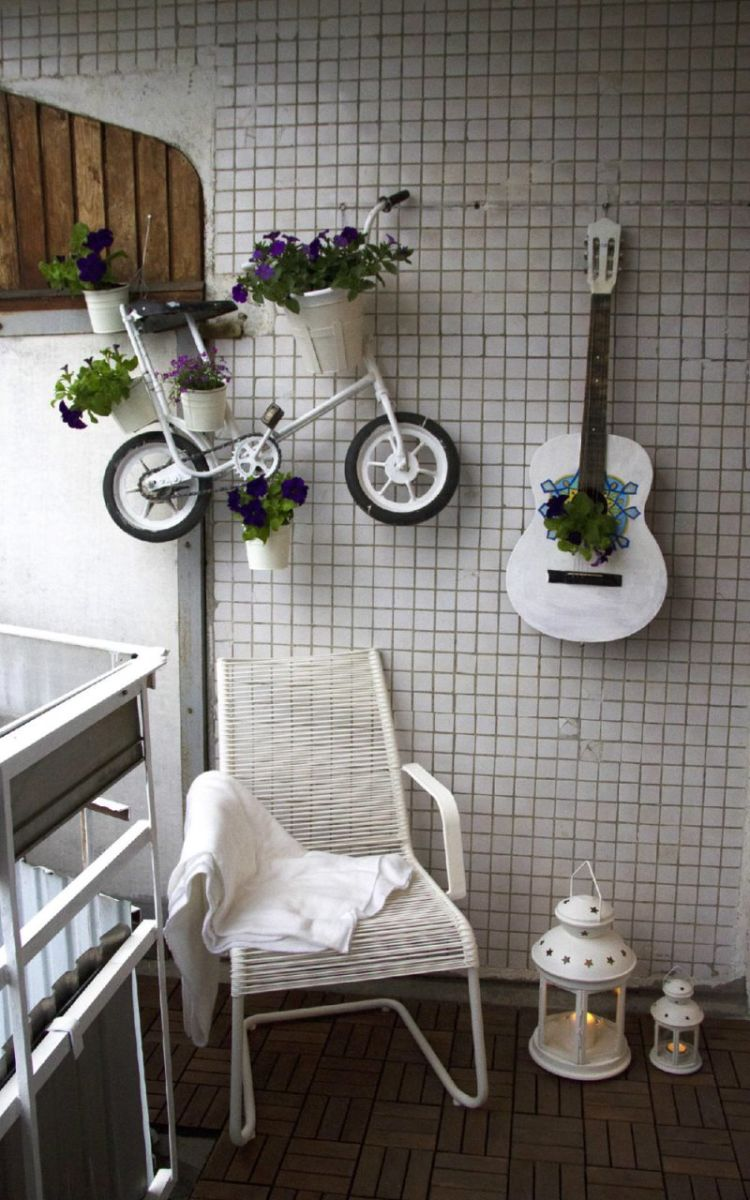 prostoj-dizajn-otkrytogo-balkona-v-tipovoj-kvartire2