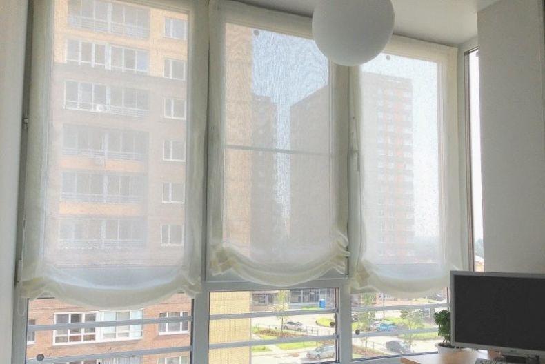 rimskie-shtory-na-balkone