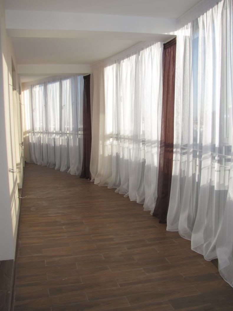 shtoryi-na-balkon-04