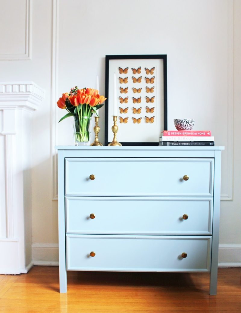 Chest of drawers in the living room (10)