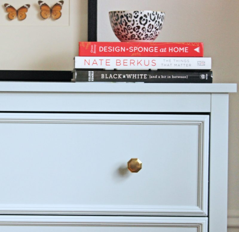 Chest-of-drawers-in-the-living-room-11.jpg