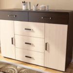 Chest of drawers in the living room (2)