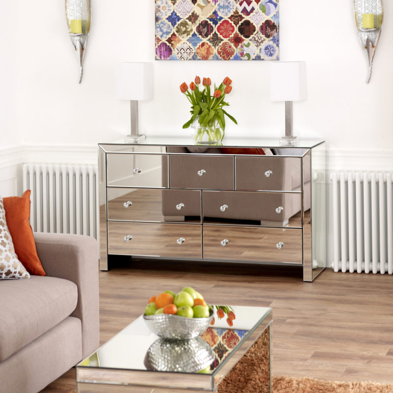 Chest of drawers in the living room (26)