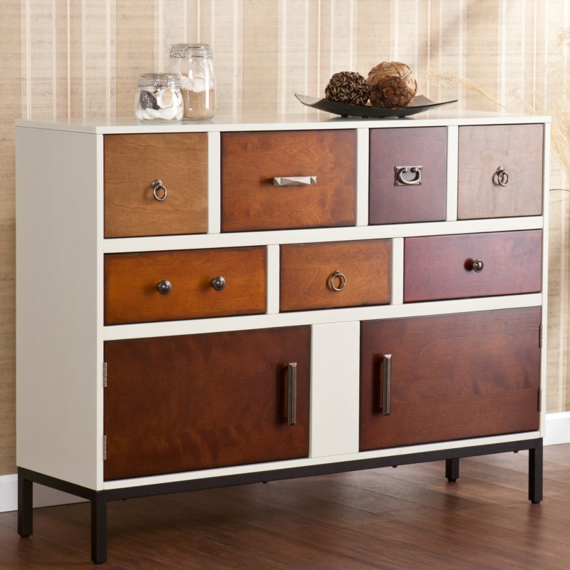 Chest of drawers in the living room (9)