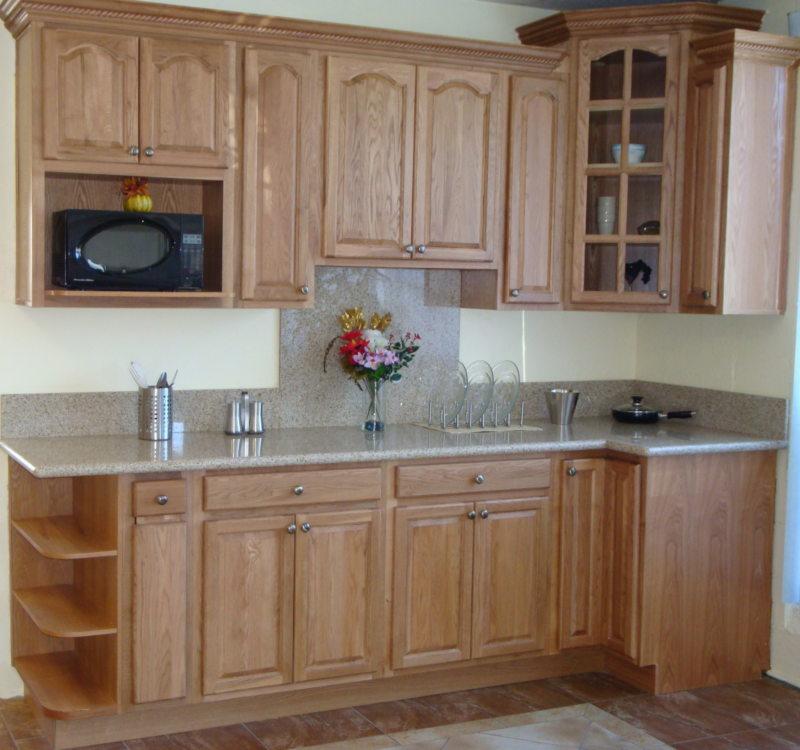 Дизайн узкой кухни (16)
