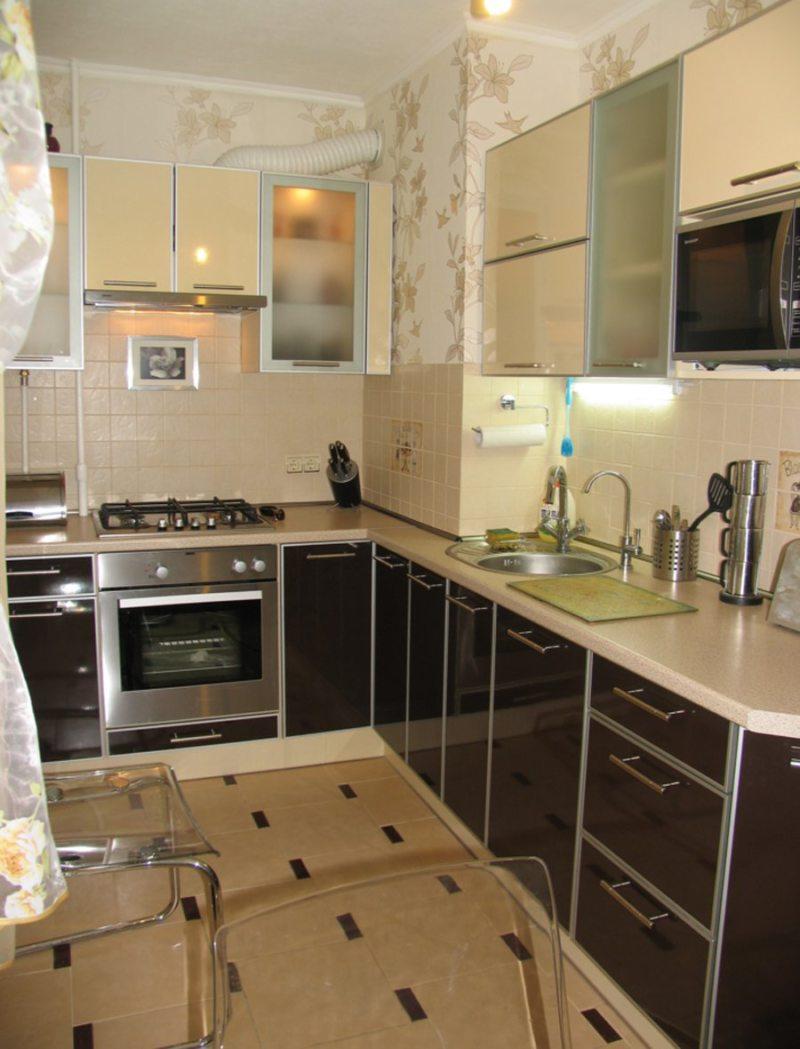 Дизайн узкой кухни (19)