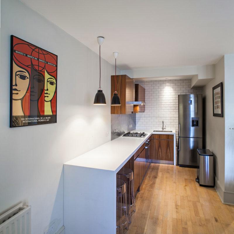 Дизайн узкой кухни (22)
