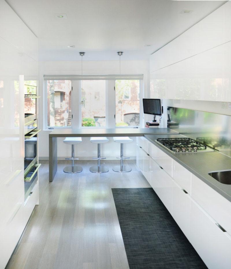 Дизайн узкой кухни (23)