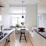 Дизайн узкой кухни (25)