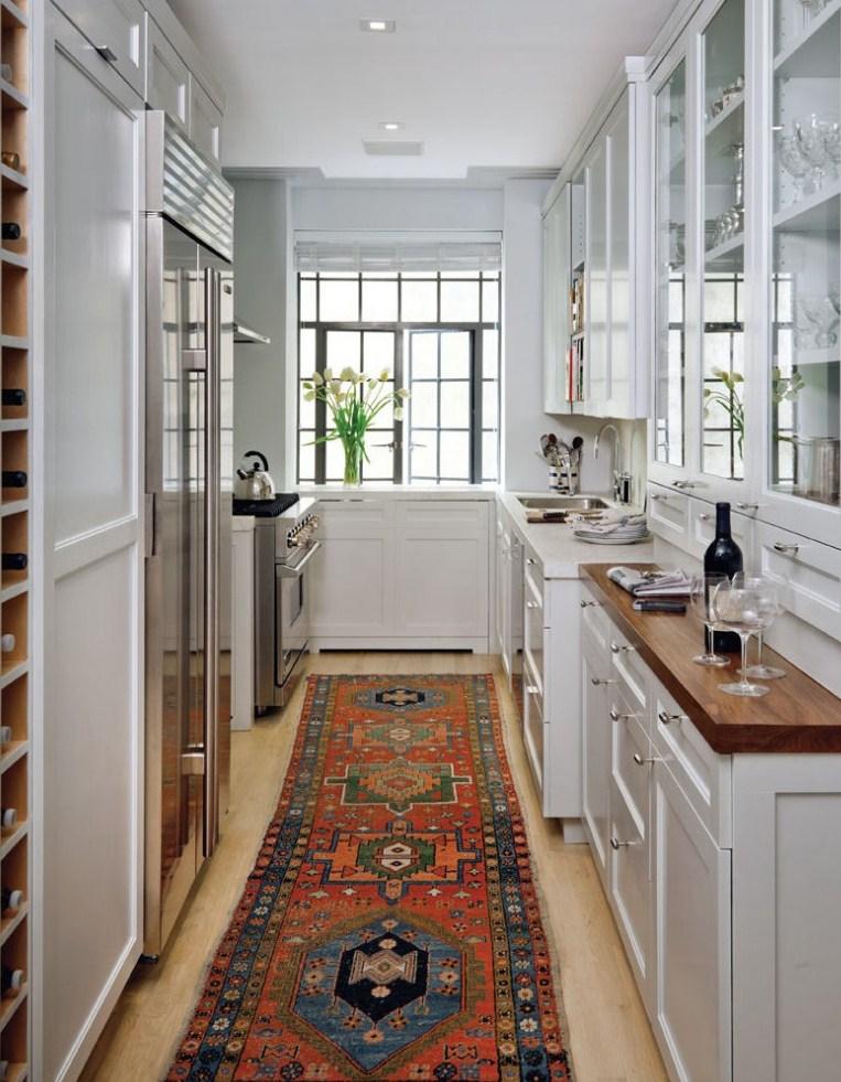 Дизайн узкой кухни (39)
