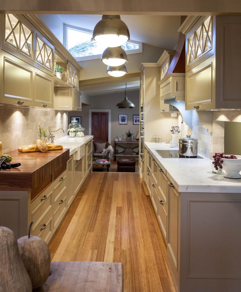 _Дизайн узкой кухни (41)