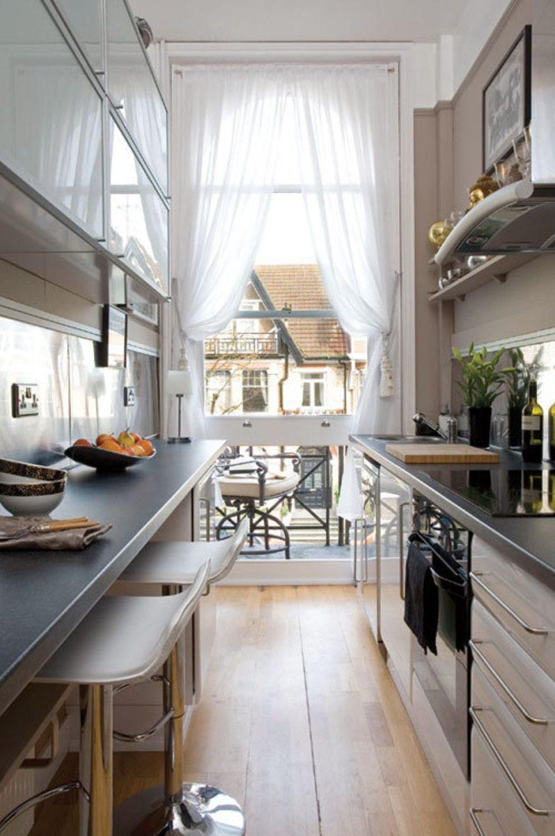 Дизайн узкой кухни (52)