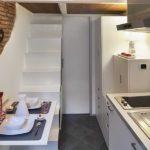 Дизайн узкой кухни (62)