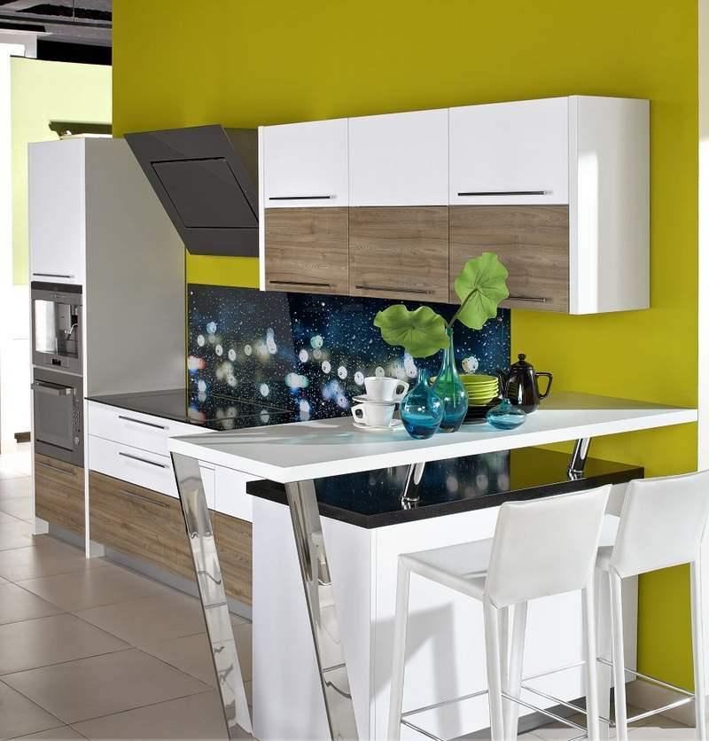 Дизайн узкой кухни (63)