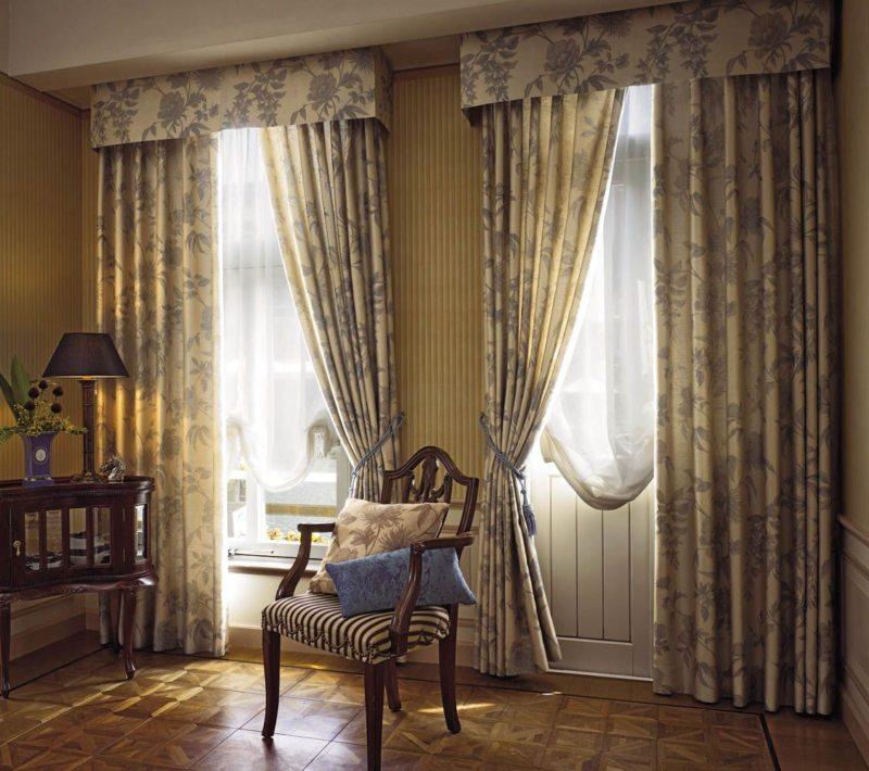 Гостиная с двумя окнами (8)