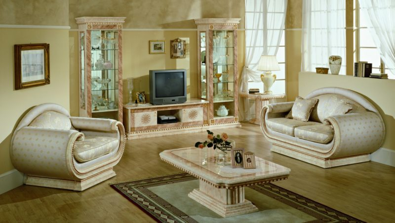 Как расставить мебель в гостиной (40)