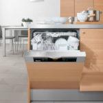 Kitchen with dishwasher (8)