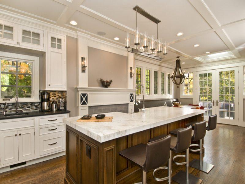 Kitchen with island (9)