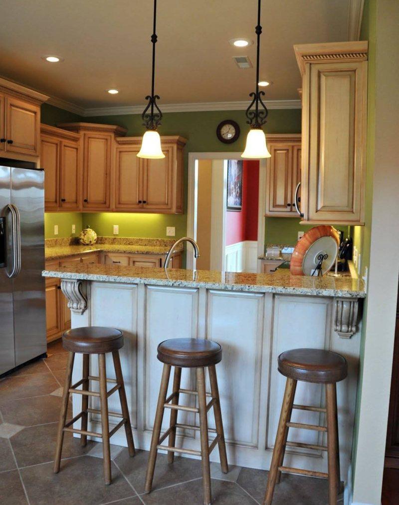 Дизайн кухни с барными стойками и